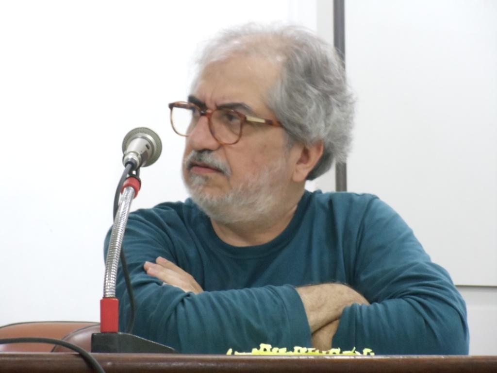Jornalista conversou com estudantes depois da exibição de documentário (Imagem: Eduardo Rodrigues)
