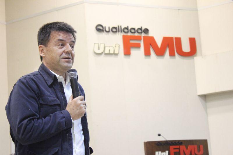 """""""Eu nunca tive atração por outra função jornalística que não fosse reportagem"""", afirmou Carlos Dornelles. Foto: Emílio Coutinho"""