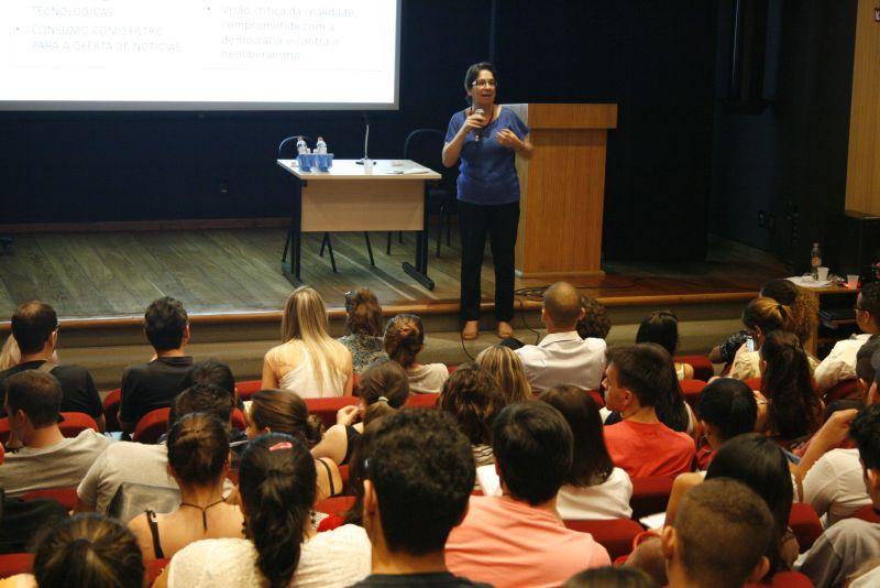 Roseli Figaro é professora do programa de pós-graduação em ciências da comunicação da Universidade de São Paulo (USP) e coordenadora do Centro de Pesquisa em Comunicação e Trabalho (CPCT). Foto: Emílio Coutinho