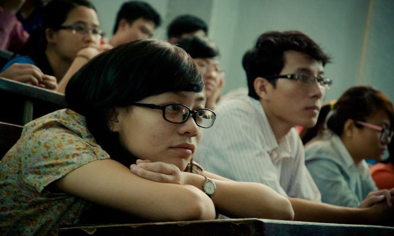 Com a queda da obrigatoriedade do diploma de jornalismo para o exercício da profissão, vários estudantes de comunicação perguntam se vale a pena se graduar. Foto: Pixabay