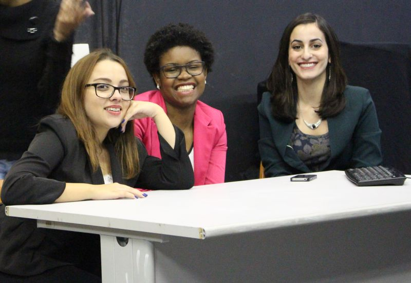 Da esquerda para a direita: Mariana Passos, Ainah Carvalho e Nadia Atiê.