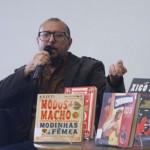 """""""O jornal de papel não vai acabar nunca"""", afirma Xico Sá"""