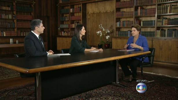 William Bonner e Patrícia Poeta durante entrevista a presidente Dilma. Foto: Reprodução/TV Globo