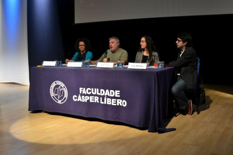 Profissionais da comunicação debateram sobre a linha sensível e tênue existente entre os termos liberdade e opressão. Foto: Giulianna Muneratto