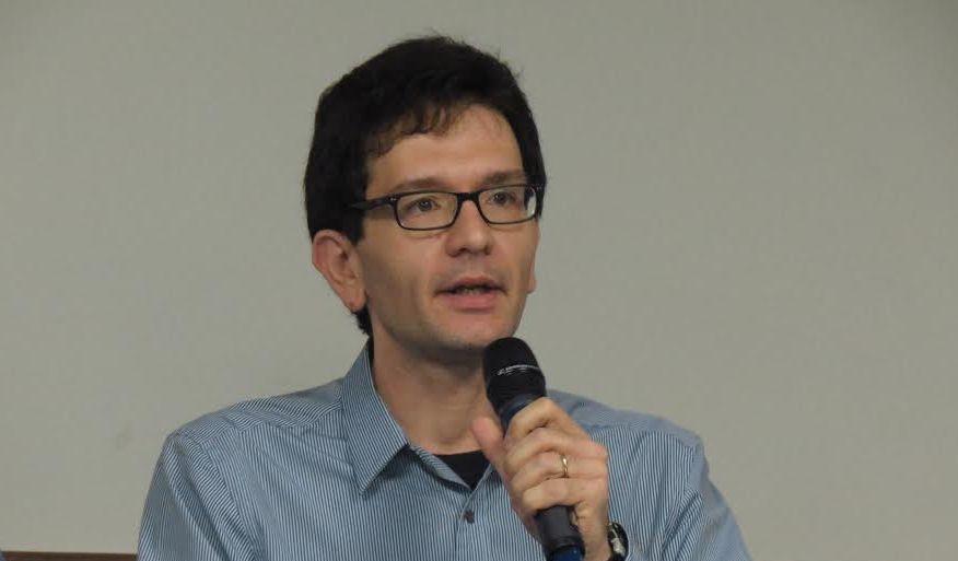 Segundo Luis Mauro Sá Martino para ser pesquisador, não é necessário abrir mão de ser repórter.Foto: Camila Alvarenga