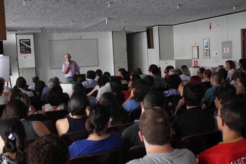 O evento contou com grande participação de estudantes de jornalismo. (Foto: Emílio Coutinho)