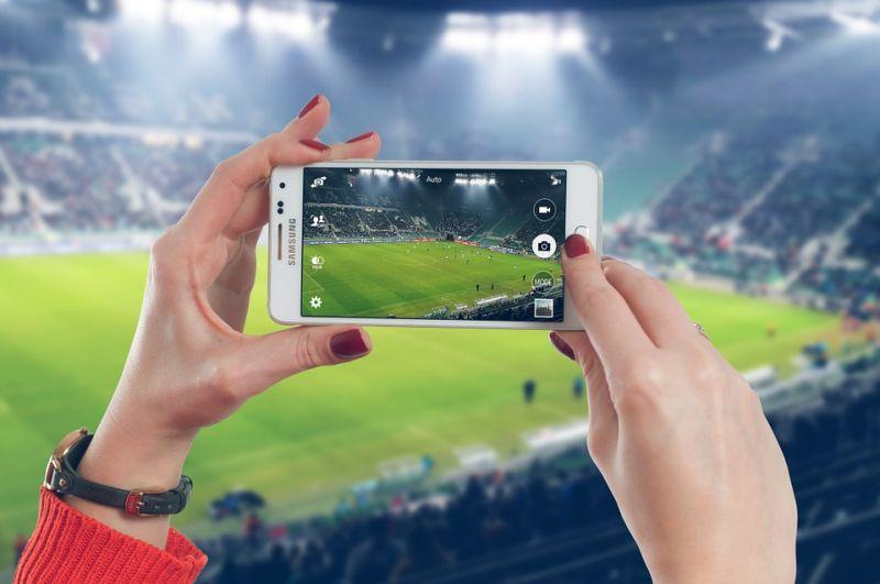 """Palestra gratuita """"Os desafios do Jornalismo Esportivo"""" com o jornalista Alexandre Praetzel ocorrerá no dia 23 de janeiro de 2016. Foto: Pixabay"""